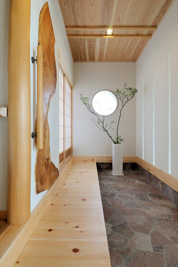 木の家 自然素材 玄関|丸高木材マルタカハウスの家